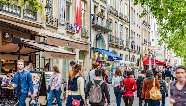 Paris,,France,-,May,28,,2016:,Street,View,Near,The